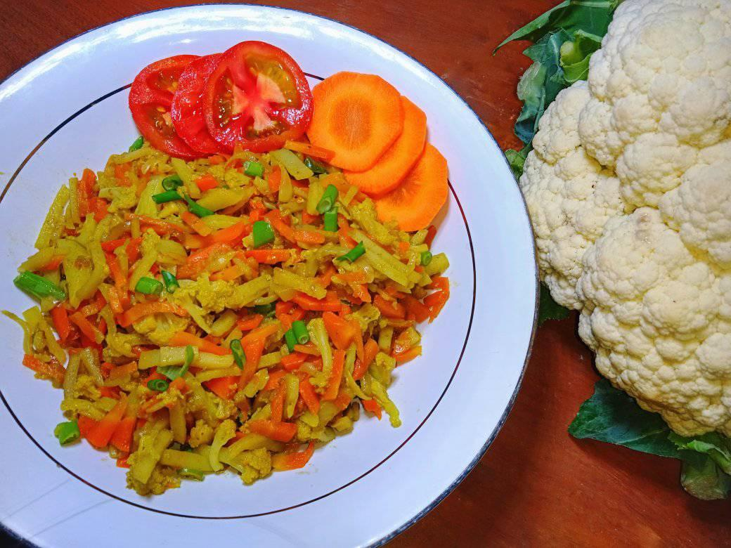 Cauliflower with Mixed Vegetables